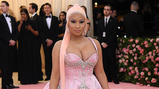 Nicki Minaj Debuts Hot New Hair Makeover With Pink Streak — Before & After Photos